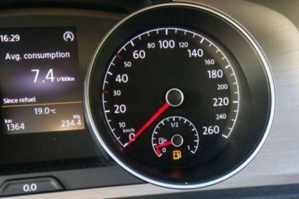 """Τι γίνεται όταν ο δείκτης βενζίνης δείξει """"0 km""""; Πόσα χιλιόμετρα μπορείς να συνεχίσεις; - Cars"""