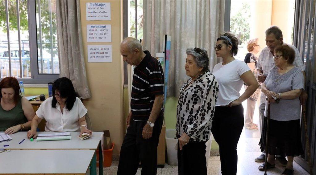 Κύπρος: Από δύο έδρες ΔΗΣΥ και ΑΚΕΛ, από μία ΔΗΚΟ και ΕΔΕΚ